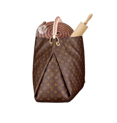rolled-up-10Lb-Sausage-in-handbag